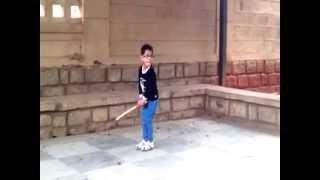 3.5 yrs kid playing cricket - Anetej Reyansh