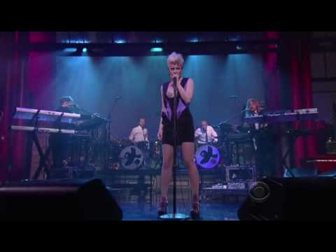 robyn dancing on my own live  late night david letterman Mp3