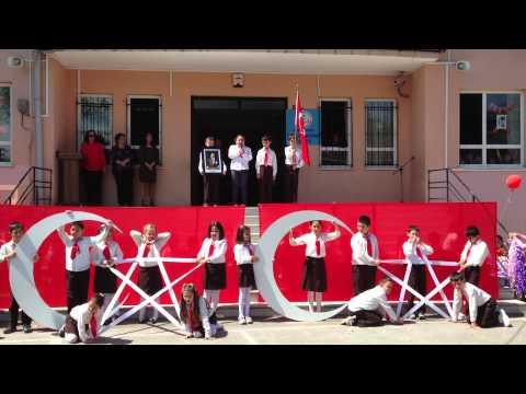 23.Nisan Bayrak Gösterisi Beykoz Sadettin Gökçepnar İlkokulu