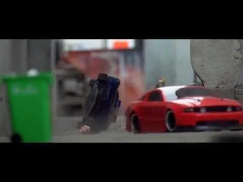 PERSECUCION A AUTOS DE CARRERAS IMPRESIONANTE HD 2012
