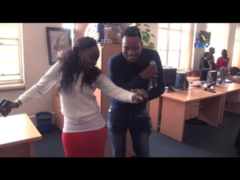 Xxx Mp4 Getting Down Elani Light Up The Mood In The NMG Newsroom 3gp Sex
