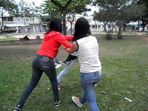 Marilise Souza documentando uma briga escolar