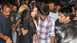 DHANUSH Rescues SONAM KAPOOR  From CROWD