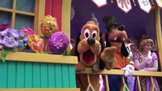 Mickey And Friends Express! Shanghai Disneyland Rain Parade!