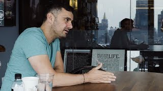 I GET PITCHED 30 TIMES IN 60 MINUTES IN MY OFFICE | DAILYVEE 267