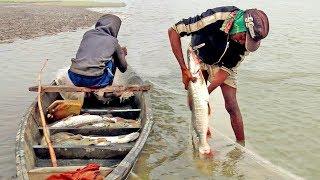 big fish catching by fishing gear | fishing equipment is fishing net and cheapest fishing boat
