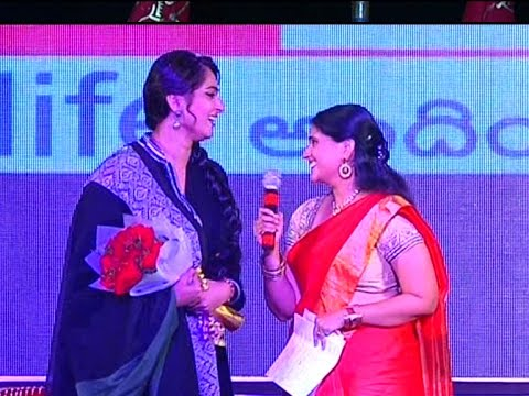 Xxx Mp4 Anchor Bhargavi Ask Kiss To Anushka At Rudramadevi Audio Launch 3gp Sex
