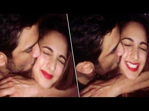 Xxx Mp4 Sushant Singh Rajput ने Kiara Advani को जबरन Kiss किया वो भी कैमरे के सामने 3gp Sex