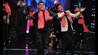 Salman Khan And Shah Rukh Khan's Crazy Dance On Bigg Boss 12 Sets For Zero Promotions
