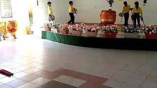 Budak sekolah 5 & 4 main tarian singa