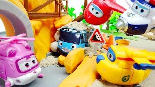 Super Wings Helps the Tayo Little Bus Videos Toys for Kids