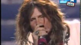 Steven Tayler en la final de American Idol 2011