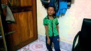 ছোট ছেলের কি দারুন নাচ..!!