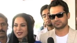 Dunya News - Actress Veena Malik back in Pakistan with her Husband