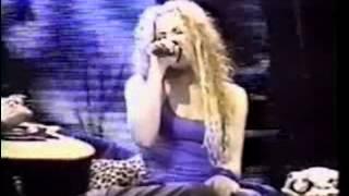 Shakira - 08 - Moscas en la casa (Anfibio Tour 2000)