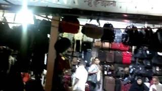 Mumbai Crawford Luggage Bag market- themumbaiguide.com