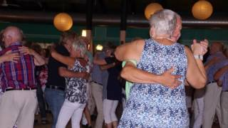 Tydinge Midsommardags dans en 25 juni 2016 musik Nordhs