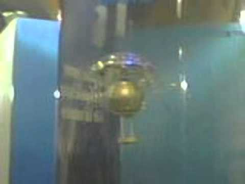 MEDUSA ROBOT EN TANQUE DE AGUA