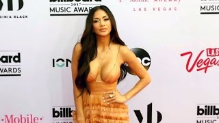Nicole Scherzinger Sizzles In Plunging Peach Gown At The Billboard Music Awards