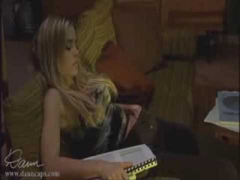 Xxx Mp4 Denise Richards Masturbating On Couch 3gp Sex