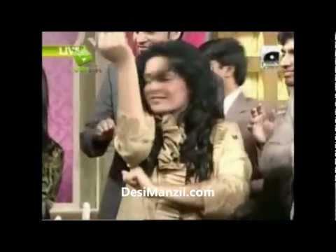 Shaista Wahidi Fell down badly during Utho Jago Pakistan DesiManzil
