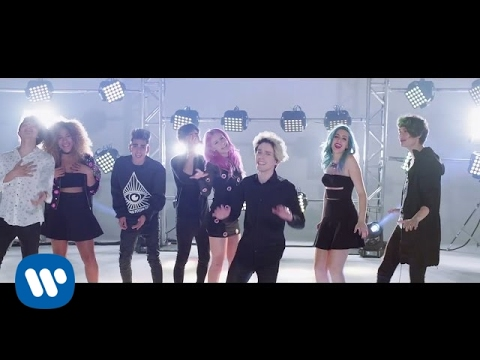 Sweet California - Vuelves (feat. CD9) (Videoclip Oficial)