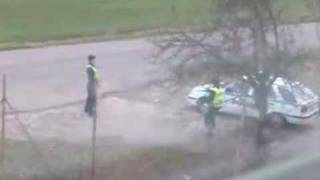 Slovenski policajti sa nudia