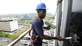 Sky climbers ... risky business