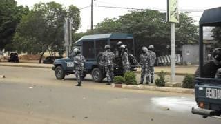 Chute militaire répression manifs étudiants video Sylvio Combey.AVI