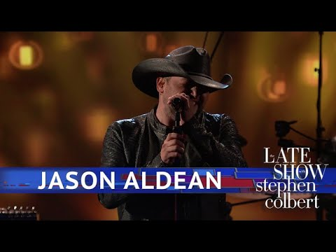 Jason Aldean Performs 'You Make It Easy'