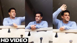 Salman Khan Waves And Greets Fans Outside Galaxy Apartment - Eid Mubarak 2017