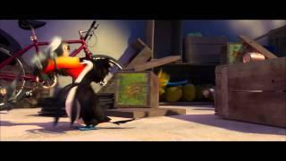 RIO Movie Clip (Birds vs. Monkey)