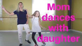 MOM DANCES WITH DAUGHTER !! SO CUTE!!! | FAMILY DANCE GOALS ft. Renita & Emma-Krysta