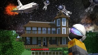 GIANT GRAVITY FORCE DESTROYS MY HOUSE IN MINECRAFT !! Minecraft Mods