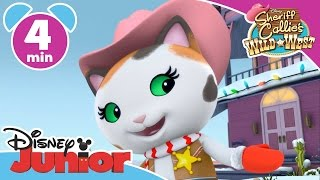 Sheriff Callie | The Christmas March | Disney Junior UK