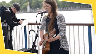 Ne me quitte pas (French Guitar Song) Susana Silva - Street performers