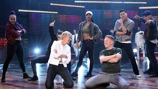 Macklemore & Ryan Lewis Perform