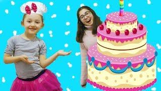 ÖYKÜ BİZE PASTA YAPTI cake Barbie doll , Wheels on the bus music Funy kids videos