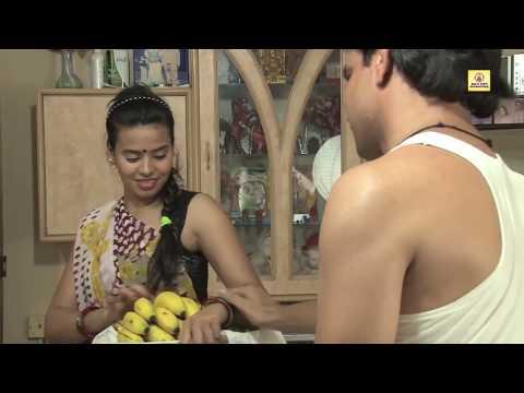 Xxx Mp4 बनाना वाली हॉट लेडी के लटके झटके Hot Lady Sells Banana Bai Showing Her Latke Jhatke 3gp Sex