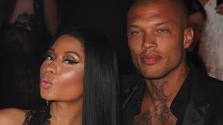 "Nicki Minaj Getting COMFY With The ""Hot Felon"""