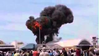 لحظة تحطم طائرة في إسبانيا خلال عرض جوي