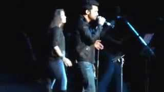 Atif Aslam And Sunidhi Chauhan Sing Together At Live Concert