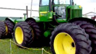 A walk around of Don Dufners John Deere 830 special tractor
