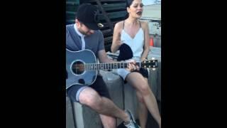 Jessie J - SINGING BANG BANG ACOUSTIC ON SET OF THE BANG BANG VIDEO
