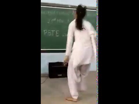 Girls Hostel Me hua Item Song pe Desi Dance