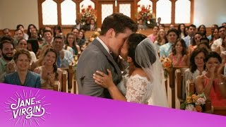 #JaneTheVirgin | Jane and Michael get married (SEASON FINALE)