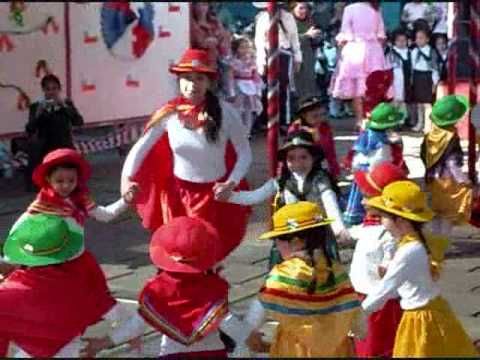 Folklore Chileno Trote Tarapaqueño Escuela de niñas Benjamín Vicuña Mackenna.