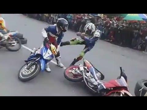Disruduk 2 Pembalap Underbone Ini Adu Jotos motor accident