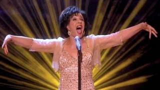 Shirley Bassey - GOLDFINGER (2011 Live)