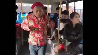 Funny guy singing on bus...